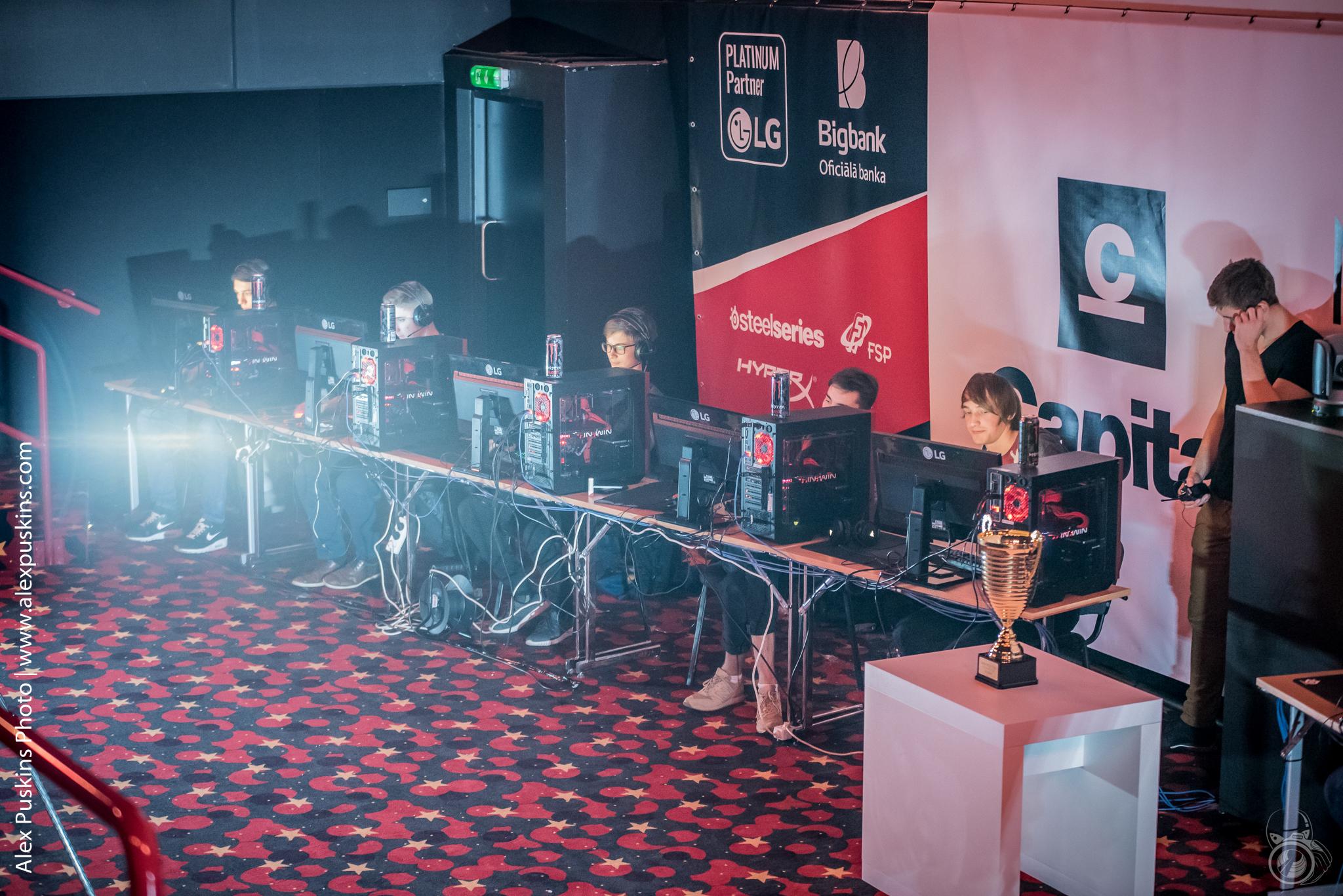 Интересные турниры о популярной игре CS 1.6